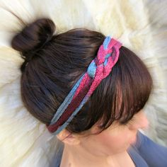 morena's corner: DIY Looped Yarn Headband - Five Minute Craft Activity