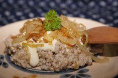 """V kuchyni """"Obyčejné ženy"""": Pohanka s brynzou a cibulkou... Risotto, Grains, Rice, Vegan, Cooking, Ethnic Recipes, Bulgur, Kitchen, Seeds"""