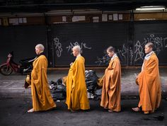 Monks on their alms round in the early morning at Bangkok Thailand [OC][4308x3251]