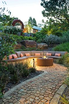 35 Modern outdoor patio designs that will blow your mind - love how this is built in and feels part of the garden Outdoor Patio Designs, Outdoor Landscaping, Outdoor Gardens, Outdoor Decor, Landscaping Ideas, Outdoor Seating, Patio Ideas, Landscaping Retaining Walls, Hillside Landscaping