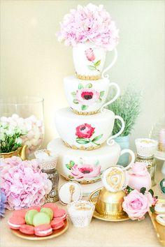 #teacupcake #weddingcake #teapartycake @weddingchicks