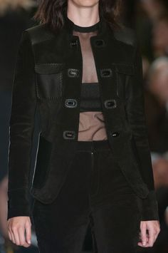 139 details photos of Tom Ford at London Fashion Week Spring 2015.