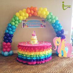Extra table balloon and banner idea! My Little Pony Birthday Party, 6th Birthday Parties, Rainbow Dash Cake, Rainbow Balloon Arch, 1st Birthday Decorations, Rainbow Parties, Balloon Bouquet, Lorraine, First Birthdays