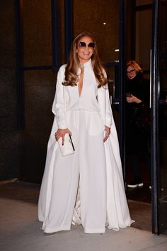 Jennifer Lopez is currently in the midst of promoting her new film Second Act and her style game has never been better or more monochromatic. Celebrity Dresses, Celebrity Style, Celebrity Closets, Skirt Fashion, Fashion Show, Women's Fashion, Fashion Styles, Runway Fashion, High Fashion
