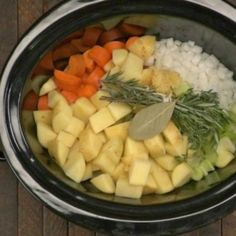Easiest Slow Cooker Stew. Only 15 mins prep.