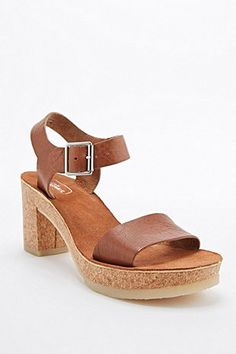 Clarks Jayda Cork Heel Shoes in Dark Tan - Urban Outfitters