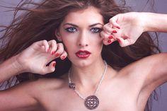 Makeup: Míriam Lanzas Photo: Joan Fradera Black eyes, red lips