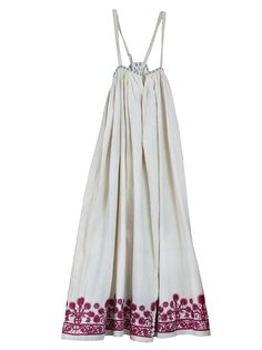 Pleated cotton dress H. 1.387 m. Crete. 18th century ΕΕ 871 © The Benaki Museum, Athens, Greece.
