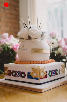 Ntuthu & Akan's Efik and Xhosa Wedding in South Africa_BellaNaija Weddings - Coiffures De Mariage Beaded Wedding Cake, Zulu Wedding, Heart Wedding Cakes, Wedding Cake Decorations, Wedding Cake Designs, Wedding Cake Toppers, Zulu Traditional Wedding, Traditional Cakes, African Wedding Cakes