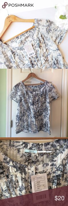 UO Patterned Blouse Urban Outfitters brand kimchi blue blouse size large. Brand new with tag. Urban Outfitters Tops Blouses