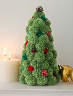 Pompom Holiday Tree in Lion Brand Vanna's Choice - Digital Version | Free Knitting Patterns | Knitting Patterns | Deramores