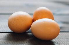 Keeping a boiled eggs diet gives you many health benefits. With many Nutrition Facts boiled eggs can help lose weight and boost immunity. Baking Without Eggs, Aperitivos Keto, Egg Stamp, Substitute For Egg, Recipe Substitute, Low Carbohydrate Diet, High Cholesterol, Cholesterol Levels, Chicken Eggs