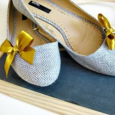 Yellow satin bows on tweed ballet flats- perfect!