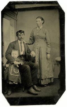 The original Awkward Family Photo