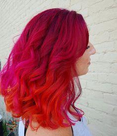 Vineyard sunset  Brandi had naturally curly hair and finally got a job that she can have vivid hair! ❤️ #pulpriothair #arcticfoxhaircolor #manicpanic #brazilianbondbuilder ##behindthechair #modernsalon #beautylaunchpad #hotonbeauty #americansalon #hairbykaseyoh #curlyhair #naturallycurly
