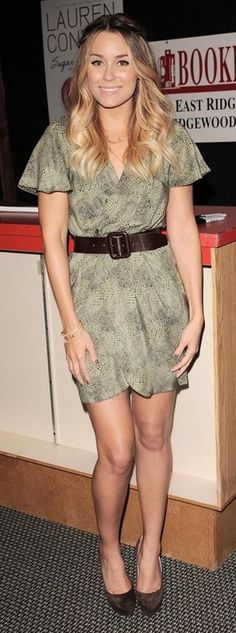 Who made Lauren Conrad's green print dress and brown suede pumps that she wore in New Jersey for her book signing?