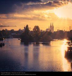 Foto 'UT Köln | Rheinufer Schäl Sick | Herbstabend im Mülheimer Hafen' von 'ginger.'