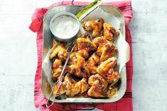 Kippenvleugels met pittig-zoete zelfgemaakte marinade. Recept - Buffalo wings met bluecheesedip - Allerhande