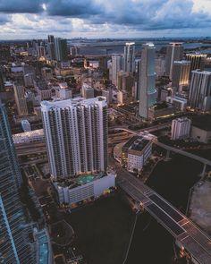 Downtown Miami by @acetheillest by miamifeelings.com miami florida miamibeach sobe southbeach brickell Miami miamifeelings