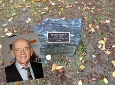 Peter Boyle October 18 1935 - December 12 Best remembered as Frank Barone on Ev 1 Loves Raymond. Cemetery Statues, Cemetery Headstones, Cemetery Art, Peter Graves, Peter Boyle, Tombstone Designs, Peace In The Valley, Famous Tombstones, Fairy Pools