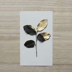 black-gold-painted-leaves - Once Wed Arts And Crafts, Diy Crafts, Painted Leaves, Leaf Art, Gold Paint, My New Room, Diy Art, Paper Goods, Art Projects