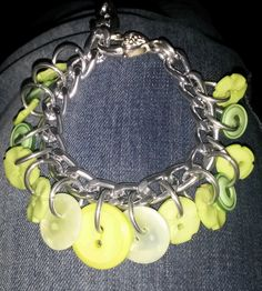 March 20th: Green buttons bracelet