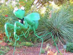 Bexar County Master Gardeners created this praying mantis!