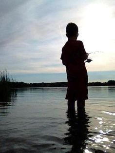 Minnesota fishing lakes are some of the primary Minnesota attractions. Fishing Minnesota lakes and rivers provides hours of family fun activities. Fishing Photos, Fishing Videos, Fishing Guide, Fishing Tricks, Walleye Fishing, Kayak Fishing, Bass Fishing Shirts, Family Vacation Spots, Recreational Activities