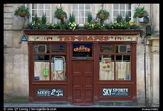 Fachada del pequeño restaurante.  Bath, Somerset, Inglaterra, Reino Unido