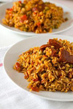 Simple Vegan Spanish Rice with Chorizo | http://simpleveganblog.com/simple-vegan-spanish-rice-with-chorizo/