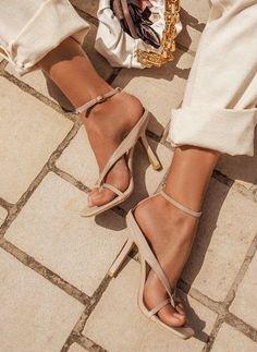 Feet Soles, Women's Feet, Stilettos, Sexy Heels, High Heels, Nail Polish, Pretty Toes, Open Toe, Flip Flops