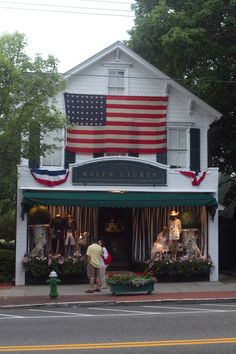 Small town USA.--------This reminds me of Sibley's store back home in Mathews!!!