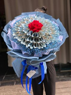 Money Flowers, How To Wrap Flowers, Paper Flowers Diy, Diy Paper, Money Bouquet, Creative Money Gifts, Birthday Balloon Decorations, Anime Art Fantasy, Flower Boutique