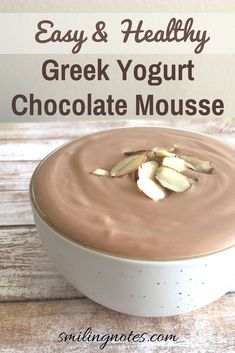 This easy and healthy Greek Yogurt Chocolate Mousse is a delicious and healthy dessert that you can enjoy without feeling guilty!As we are all set for Spring, that familiar feeling of eating … Healthy Sweets, Healthy Dessert Recipes, Gourmet Recipes, Cooking Recipes, Healthy Yogurt, Pie Recipes, Easy Desserts, 100 Calorie Desserts, Siggis Yogurt