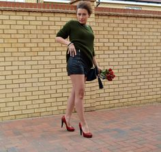 www.streetstylecity.blogspot.com  Fashion inspired by the people in the street ootd look outfit sexy high heels legs woman girl leather shorts hot pants