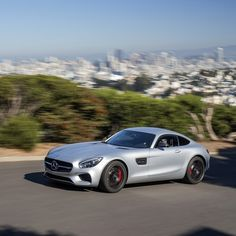 This car is all about the curves. The AMG RIDE CONTROL sports suspension and advanced aerodynamics give the Mercedes-AMG GT S increased balance and airflow through the figure eight patterned road of Twin Peaks.  #Mercedes #Benz #MBPressDrive #AMGGT #SanFrancisco #LagunaSecaRaceway #instacar #carsofinstagram #germancars #luxury