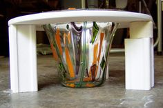fusing glass | This picture shows the glass vase from the side.