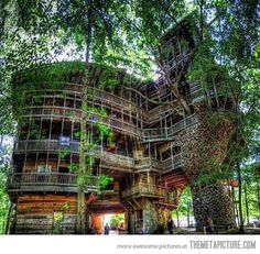 Tree House In Tennessee…  I would live there if I had this waiting for me lol