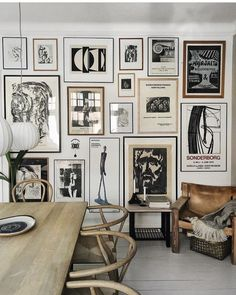 Wall Gallery Ideas is a great way to add personality and appeal to any room. Wall Gallery Ideas will help you decide what would look best in your room. Decor Room, Living Room Decor, Home Decor, Dining Room, Dining Table, Inspiration Wand, Wall Design, House Design, Ideas Hogar