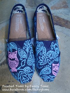 Handpainted Custom TOMS Shoes - Owl and Leaf Design