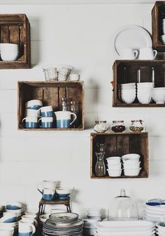 The Eat-in Kitchen Super affordable way to add kitchen shelves using old crates. great storage and organization tip for a pantry.Super affordable way to add kitchen shelves using old crates. great storage and organization tip for a pantry. Decor, Interior, Kitchen Storage, Kitchen Decor, New Kitchen, Home Kitchens, Old Crates, Kitchen Shelves, Shelving