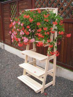 kvetinovy nabytek na terasu - Hledat Googlem Garden Bridge, Outdoor Structures, Plants, Plant, Planets