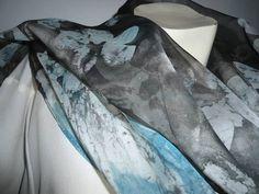 """echarpe em tecido """"toque d seda"""" leve e suave , pintada à mão em batik LC-0749  tam.: 2,00 x 45  conheça as regras na página inicial, antes de efetuar a compra R$ 55,00"""