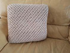 tunisch kussen haken | GRATIS HAAKPATRONEN | crochets4U Detail Shop, Vintage Rugs, Diy And Crafts, Throw Pillows, Afrikaans, Crocheting, Health, Crochet Cushions, Tejidos