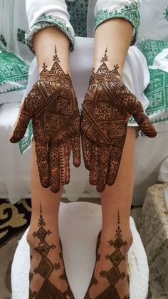 Henna By Cocolily Mehndi Designs Feet, Indian Mehndi Designs, Wedding Mehndi Designs, Unique Mehndi Designs, Wedding Henna, Mehndi Images, Henna Tattoo Designs, Bridal Henna, Mehandi Designs
