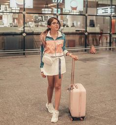Airport Travel Outfits, Travelling Outfits, Boho Outfits, Fashion Outfits, Ootd Fashion, Airport Look, Indian Designer Outfits, Photo Poses, Street Style
