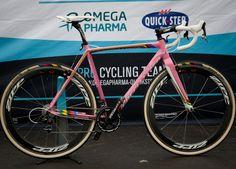 Two-time world cyclocross champion Zdeněk Štybar is man enough for a pink race bike.