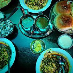 #misal #pav #Nashik #marathi #breakfast #friends