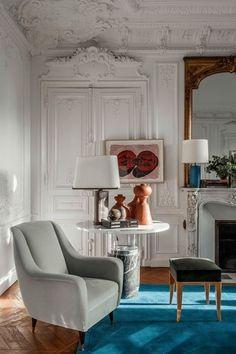 home decor contemporary In his Paris apartment, the architect balances contemporary furnishings with classic details. Contemporary Interior Design, Home Decor Styles, Contemporary Interior, Eclectic Decor, Contemporary Furnishings, Home Decor Trends, Interior Design, Home Decor, Contemporary Home Decor