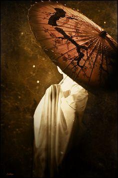 My World of Colours Umbrella Art, Under My Umbrella, Monte Fuji, Memoirs Of A Geisha, Umbrellas Parasols, World Of Color, Light And Shadow, Asian Beauty, Photos